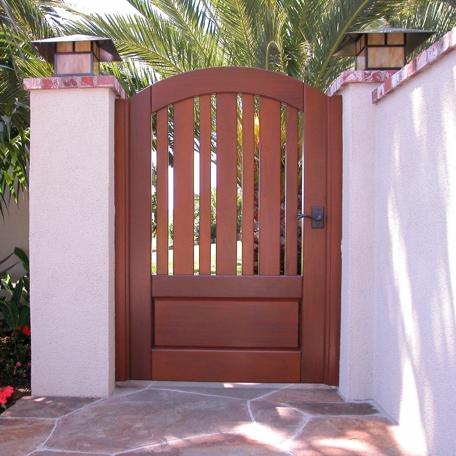 Craftsman Wood Gate 412