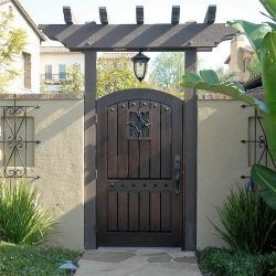 Old World & Tuscan Wood Gate #210