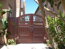 Designer Wood Gates #H12