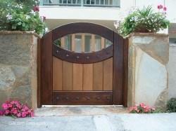 Premium Wood Gates #H35