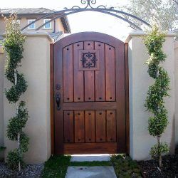 Old World & Tuscan Wood Gate #202
