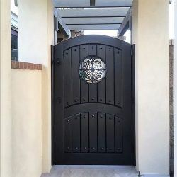 Old World & Tuscan Wood Gate #207